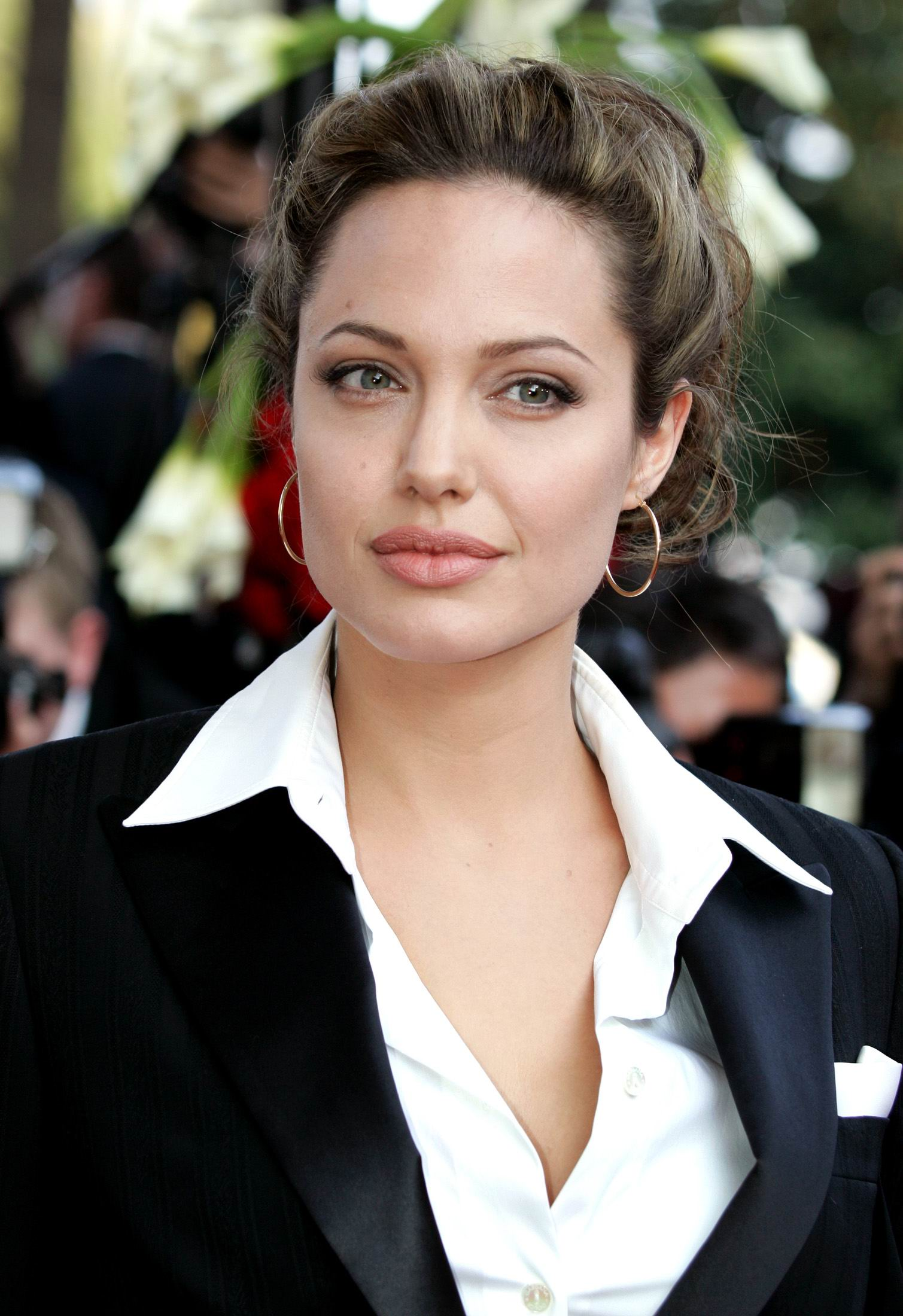 Angela de luc besson online dating 2