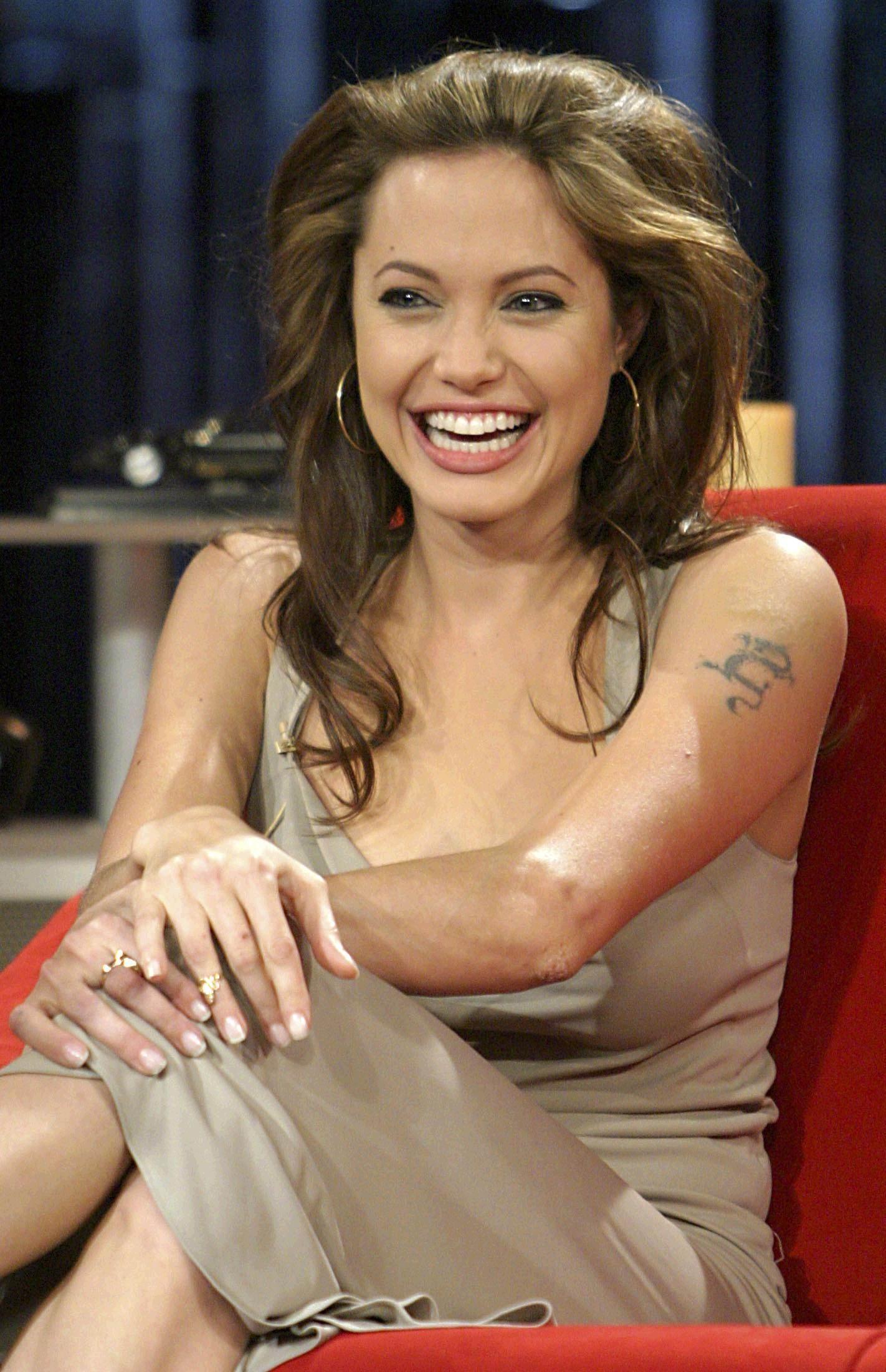 Angelina Jolie Videos Videos - Metacafe