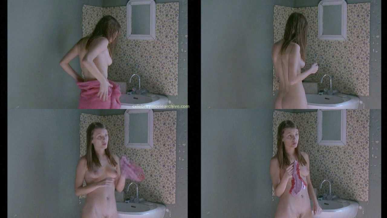 Margot Robbie desnuda y follando con Brad Pitt