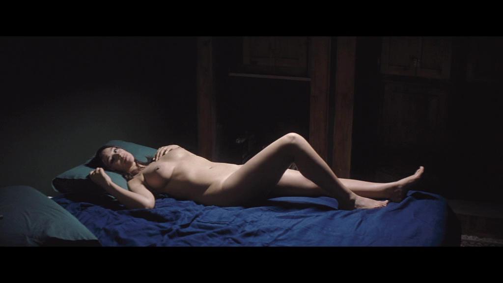 Monica Bellucci Desnuda Para Celebrar Su Solter A