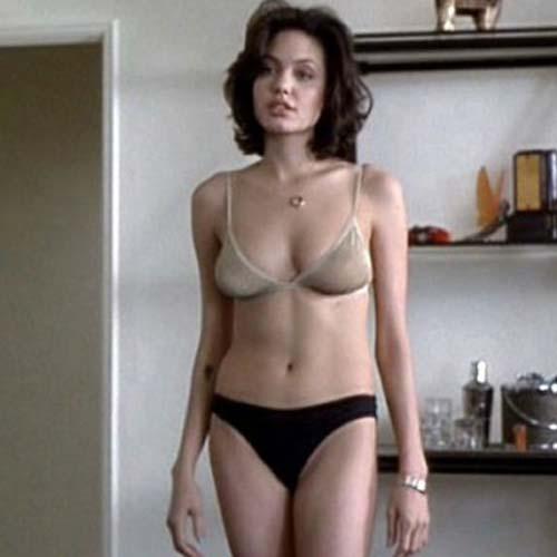 La mas linda Angelina Jolie tambien se desnuda - Fotos