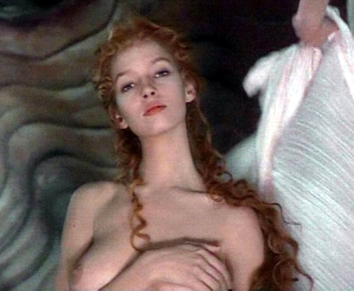 Uma Thurman Nude Photos 75