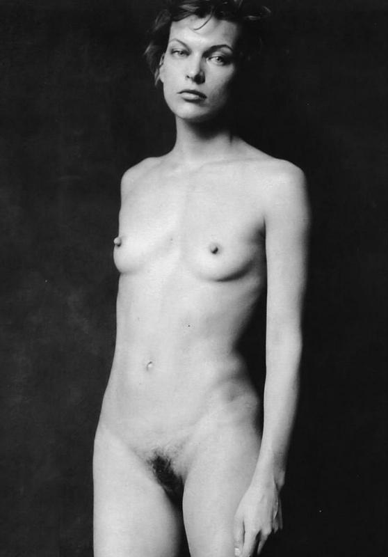 Milla Jovovich Desnuda Y Sey Para Paul W S Anderson