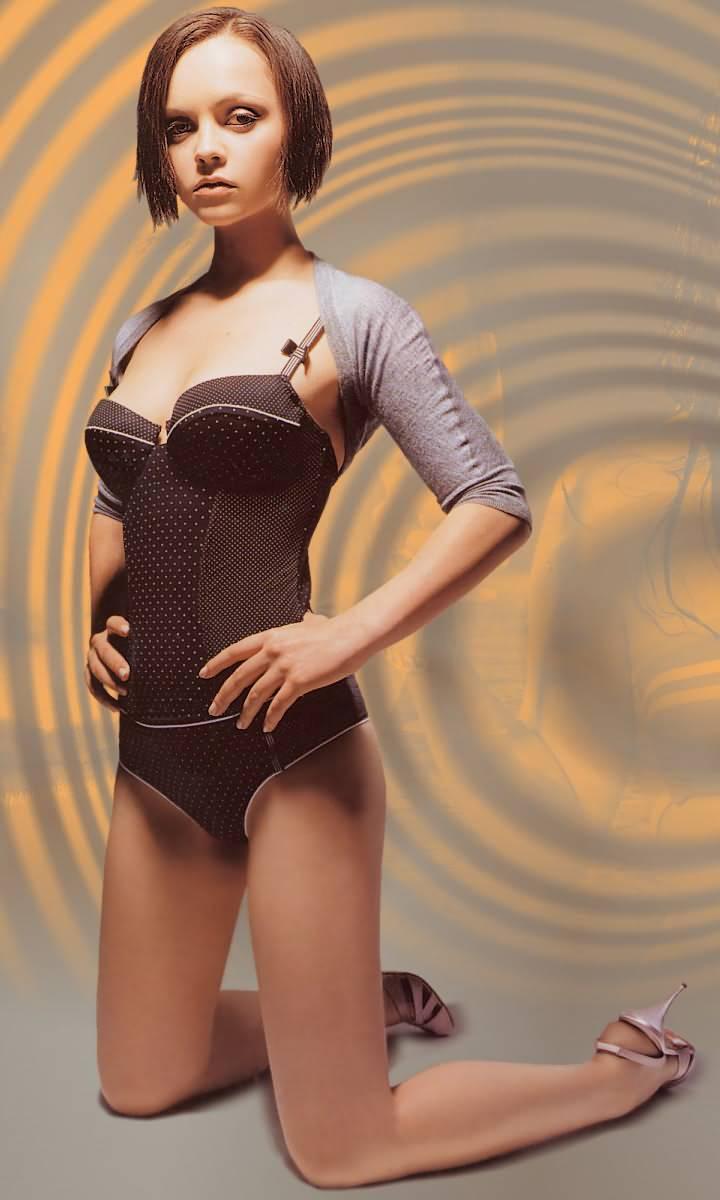 Cristina ricci desnuda photo 491