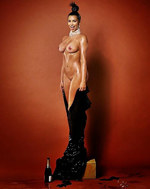 De infarto: Kim Kardashian juega a tenis casi desnuda