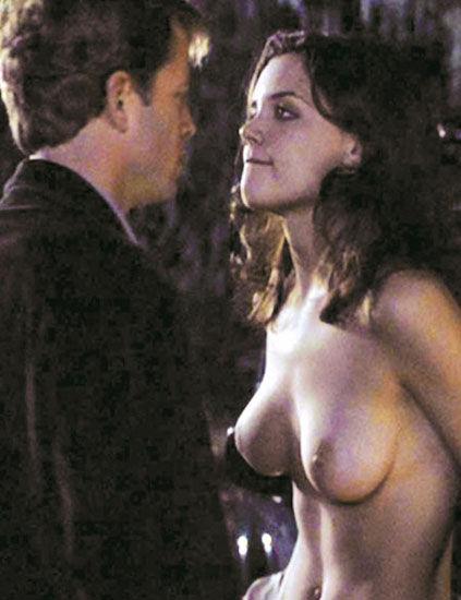 50 estrellas desnudas por exigencias del guión -