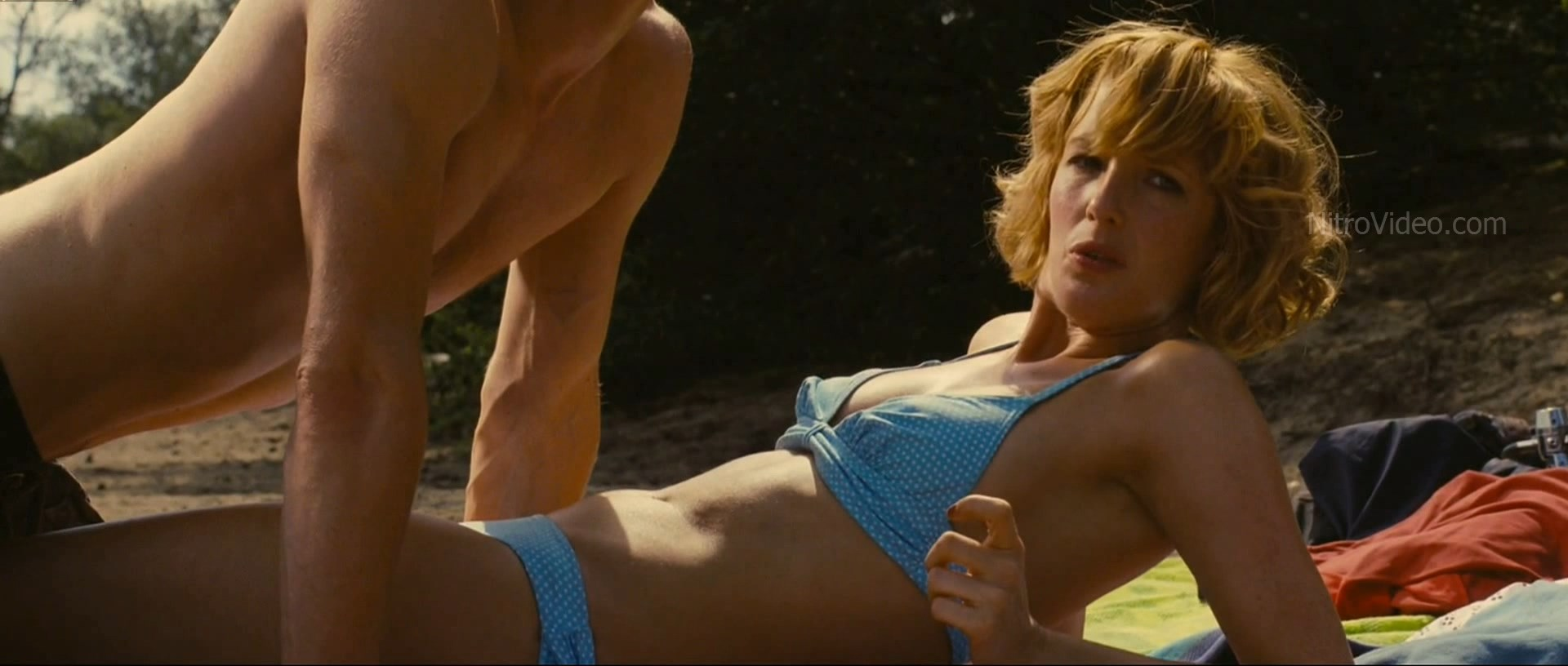 Nude pictures of kelly reilly