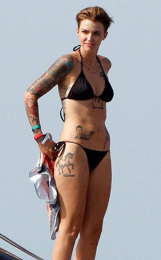foto rebelde bikini: