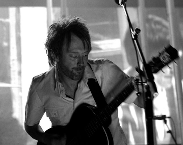 Radiohead revelan otro nuevo tema en directo: 'Skirting on the surface'