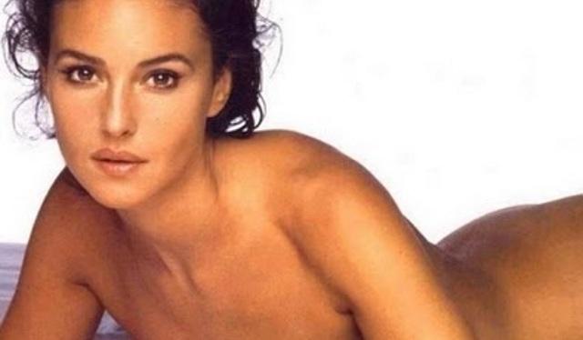 Monica peligro leon desnuda