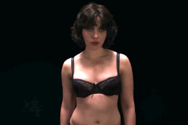 Scarlett Johansson desnuda en 'Bajo la Piel'