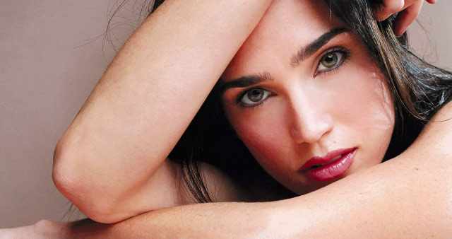 Jennifer Connelly desnuda