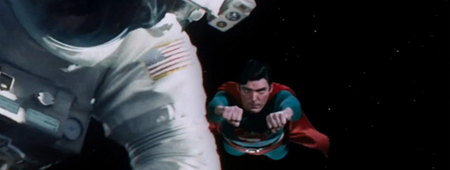Final alternativo de 'Gravity' con ¡Superman!