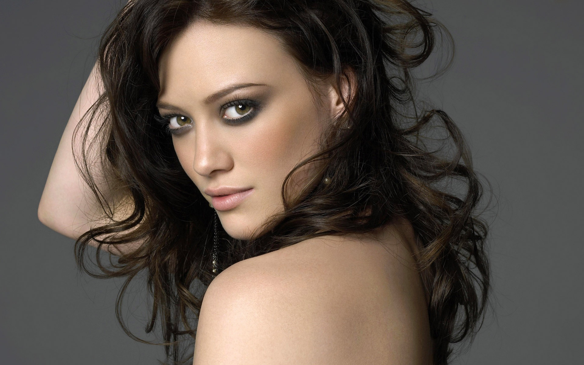 from Lochlan videos calientes de hilary duff