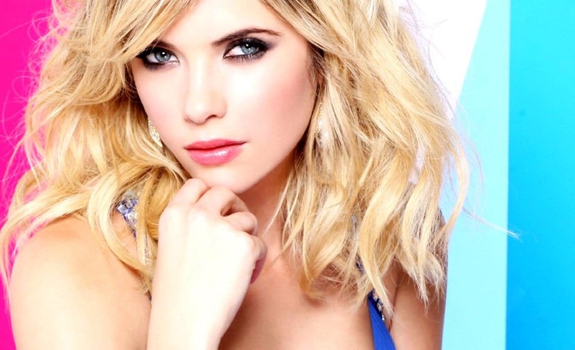 Ashley Benson desnuda, Lady Lisa reina de 'Pixels'
