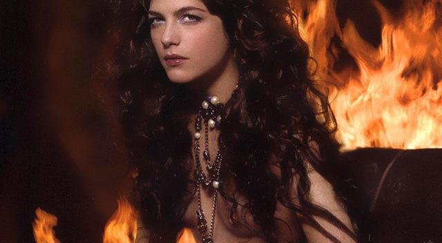 Selma Blair Desnuda Liz Sherman Cambia Hellboy Por Kardashians
