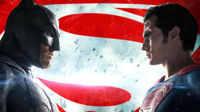 Tres nuevos trailers de 'Batman v Superman'. Darkseid se aproxima