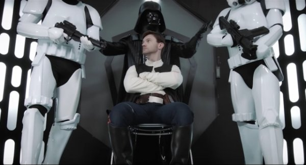 Trailer de la parodia porno gay de Star Wars