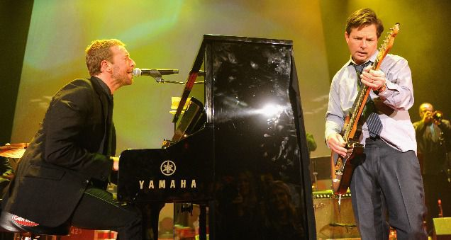 Coldplay toca junto a Michael J. Fox temas de 'Regreso al Futuro'