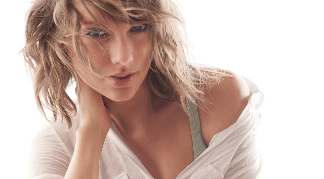 Taylor Swift desnuda contra Katy Perry