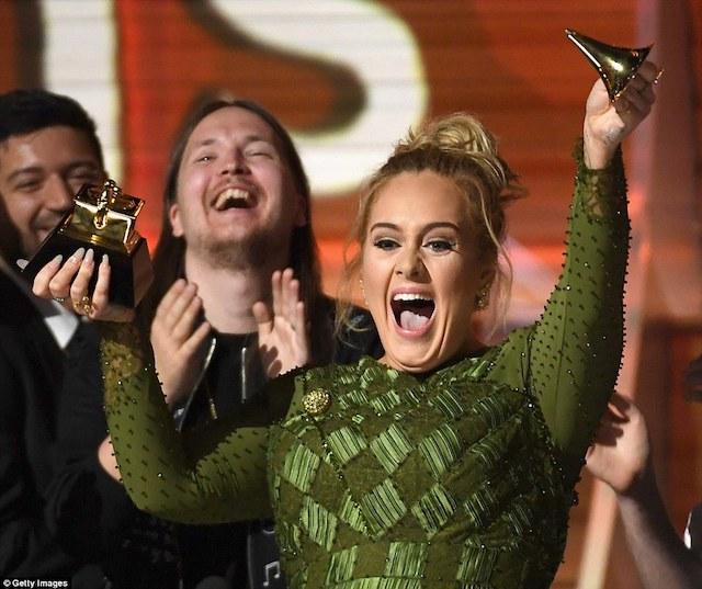Los ganadores de los Grammy 2017, Adele y Bowie arrasan
