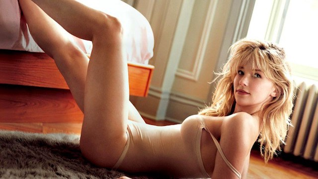 Haley Bennet, la próxima Catwoman, desnuda