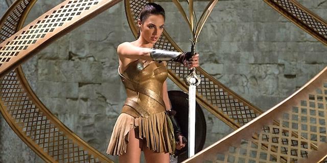 13 razones por las que Wonder Woman es mejor que Capitán América