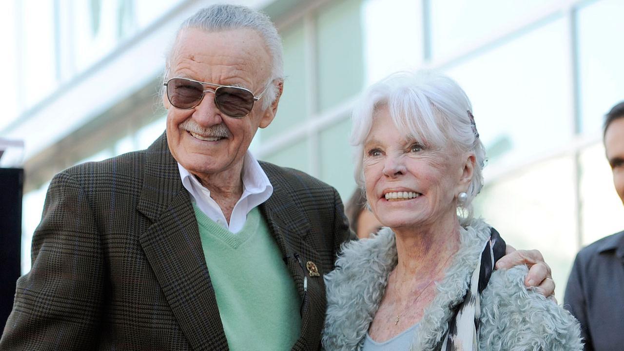Muere la esposa de Stan Lee Joan Lee a los 93 años de edad