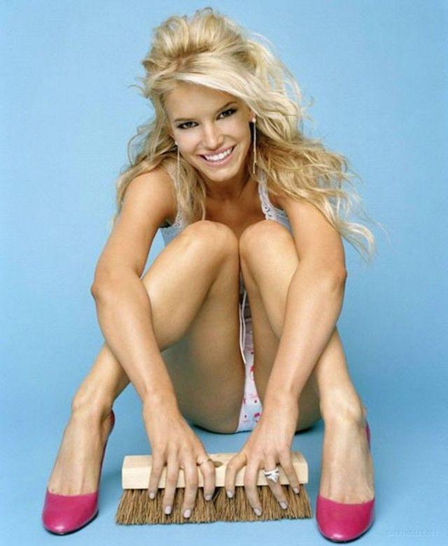 Jessica Simpson desnuda porque llega el calor