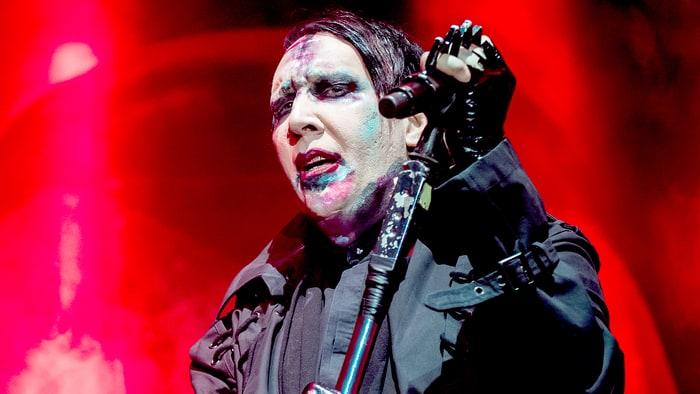 Marilyn Manson a punto de morir aplastado por el decorado de un concierto