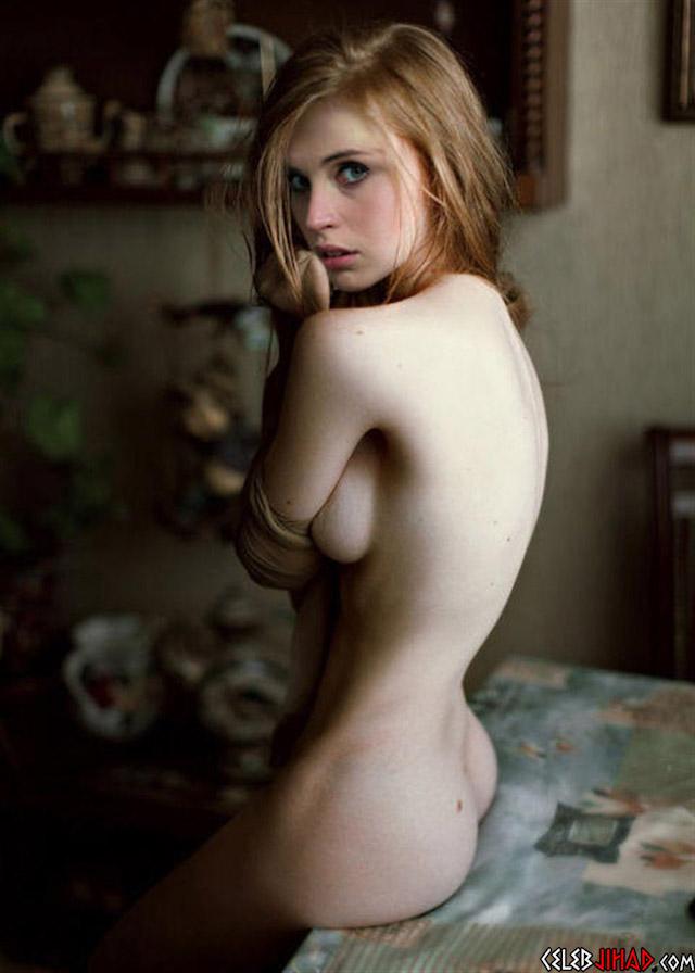 pussy spread babemet model