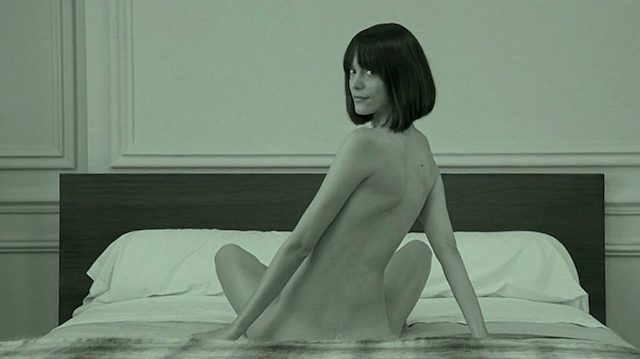 Stacy Martin desnuda, el desnudo integral da la actriz ninfómana