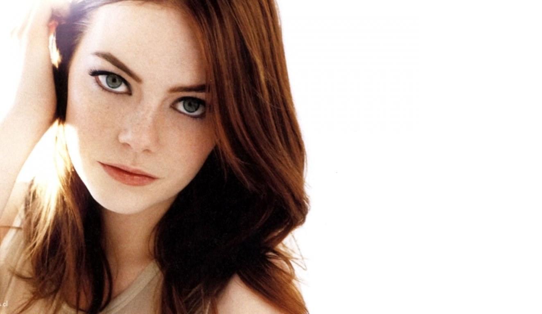Emma Stone desnuda en La Favorita. El primer desnudo explícito de la actriz