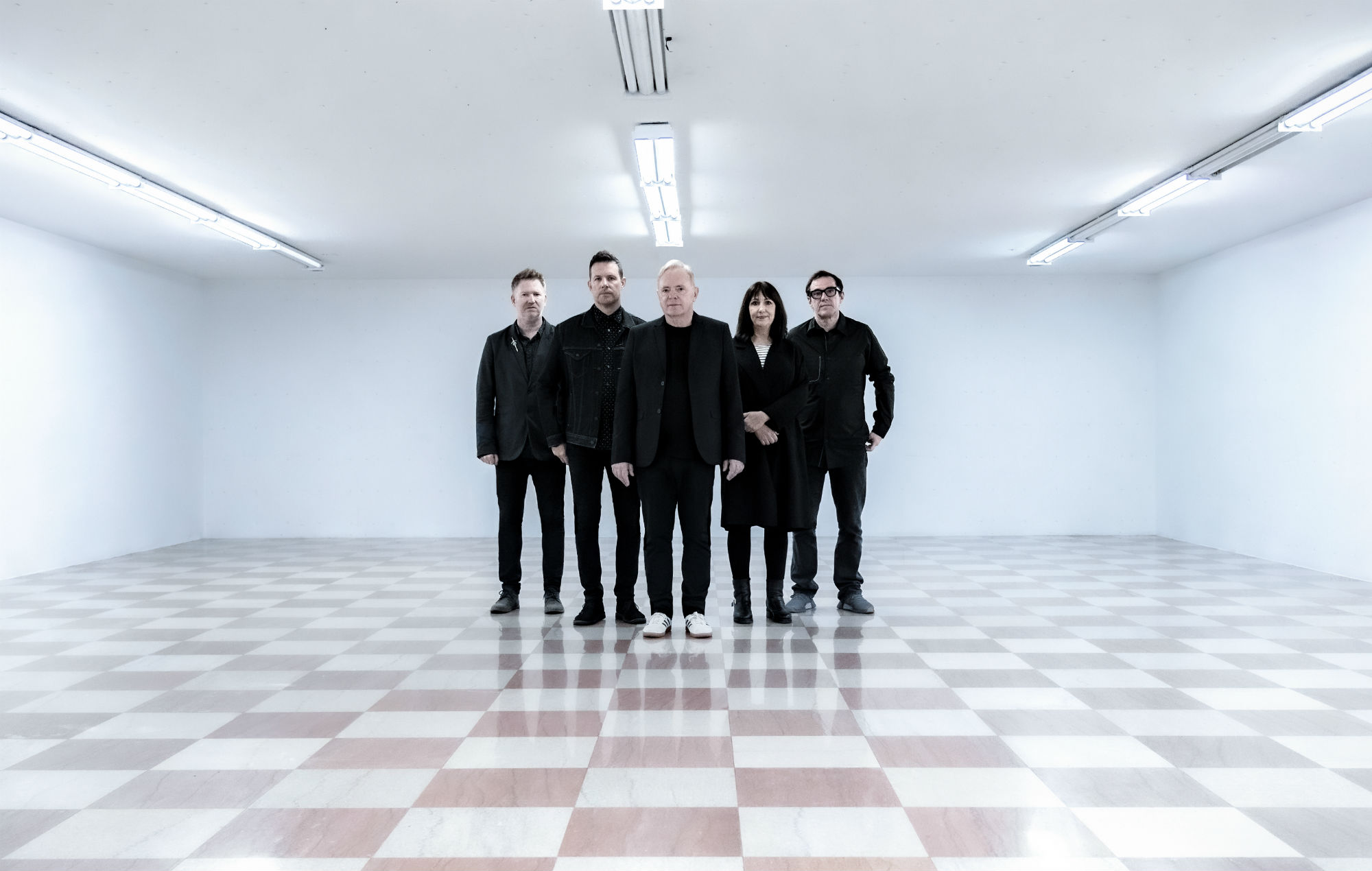 New Order comparte un elegante video musical de 'Be A Rebel'.