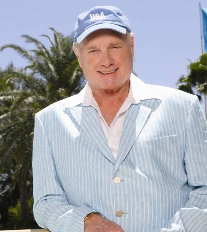 Mike Love quiere grabar un nuevo disco por el 50 aniversario de los Beach Boys