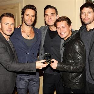 Robbie Williams llora por el fin de Take That